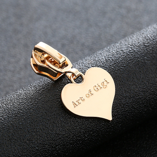 Manufacturer Wholesale Heart Shape Zipper Puller Engraved Logo Brand Custom Hand Zipper Puller Slider